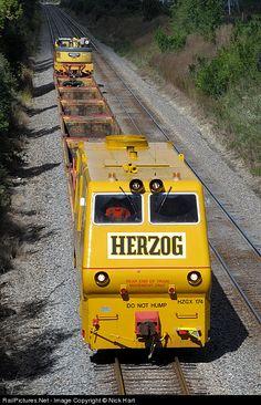 RailPictures.Net Photo: HZGX 174 Herzog Railway Services MPM VIII at Crest Hill, Illinois by Nick Hart Crest Hill, Maintenance Jobs, Wonderful Machine, Rail Transport, Speed Training, Australian Models, Group Travel, Train Tracks, Heavy Equipment