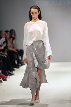 It's always refreshing to see amazing things coming out of graduation shows. Elin Klevmar from the Swedish School of Fashion & Textiles was shown at London Fashion Week this year for the first time, with her ultra comfortable looking collection.