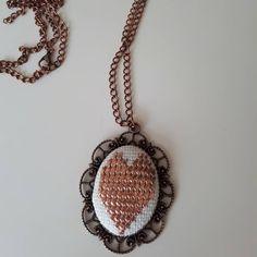 Tel kırma işleme kolye  Bilgi ve Sipariş için DM #telkırma #takı #tasarım #hediye #handmade #elemeği #bakır #kolye