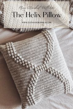 The helix crochet pillow pattern. a Free modern crochet pattern using @lionbrandyarn Fishermen's wool. Beginner Level crochet pattern. Crochet Potholder Patterns, Crochet Pillow Pattern, Modern Crochet Patterns, Crochet Basket Pattern, Crochet Cushions, Crochet Blankets, Crochet Ideas, Free Crochet, Pillow Patterns