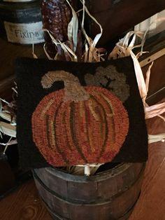 Primitive Pumpkin Hooked Rug by HeritageDecor on Etsy