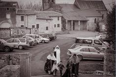"""arrivée du cortège """"mariée et enfants"""" à la mairie"""