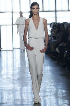 Cushnie et Ochs #NYFW #AW15 #NewYork #NewYorkFashionWeek #FashionWeek #Fashion #style #designer #catwalk #womenswear #fall2015 #white #suit