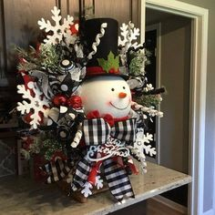 Snowman Wreath, Christmas wreath, Christmas decor, Christmas decorations, black and white ribbon Supplies could slightly change with availability. Elegant Christmas Decor, Indoor Christmas Decorations, Christmas Centerpieces, Outdoor Christmas, Diy Christmas Gifts, Christmas Snowman, Rustic Christmas, Christmas Holidays, Christmas Ornaments