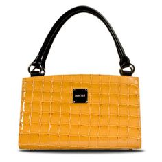 I love my Miche bags.  I can change the cover to match my outfit or my mood without having to change out my entire purse.  The straps are convertable.  It is the most useful bag ever!!