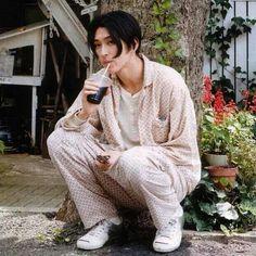 松田翔太さん Ulzzang, Medium Hair Styles, Long Hair Styles, Japanese Boy, Perfect Boy, Boy Photos, Asian Actors, Actor Model, Good Looking Men