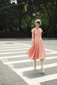 ピンクのドレス,