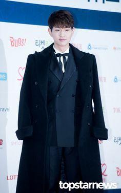 [HD포토] 샤이니(SHINee) 온유 샤이니 대표 온리다 (2017 가온차트 K-POP 어워드)   #가온차트 #샤이니 #SHINee #온유