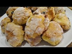 Broinhas de Batata | Receita de Natal! - YouTube Bread Recipes, Snack Recipes, Snacks, Christmas Bread, Portuguese Desserts, Canal E, Christmas Traditions, Chocolate, Chips