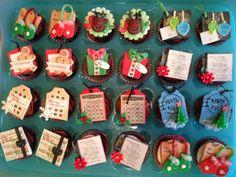 Christmas Tags mini cupcakes