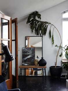 Gorgeous Vintage Industrial Design Ideas For Your Life Interior Exterior, Home Interior, Interior Decorating, Interior Design, Apartments Decorating, Apartment Interior, Interior Paint, Decorating Ideas, White Washed Floors