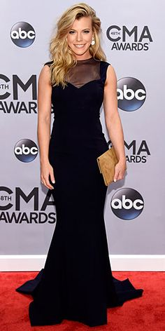 CMA Awards 2014 style, Carrie Underwood CMAs : People.com @gtl_clothing #getthelook http://gtl.clothing