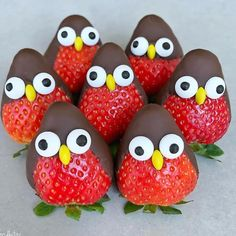Strawberry Penguins with Chocolate Covering Country & Victorian Times … – kids baking ideas Christmas Treats, Holiday Treats, Holiday Recipes, Christmas Chocolate, Food Art For Kids, Kids Food Crafts, Cooking For Kids, Fruit Art Kids, Fun Fruit