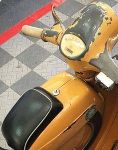 Vespa Lambretta, Vespa Scooters, Vespa Smallframe, Classic Vespa, Design Thinking, Euro, Motorcycle, Bike, Vintage