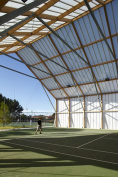 Cannes Tennis Club – Comte & Vollenweider Architectes
