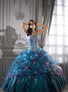 See extra choices about Quinceanera Find the very best quinceanera dresses in your area! Discover quinceanera dresses as well as where to get them! Quince Dresses, 15 Dresses, Bridesmaid Dresses, Formal Dresses, Cheap Dresses, Gypsy Dresses, Bridesmaids, Dresses Elegant, Pretty Dresses