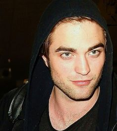 look at those eyes...and that jawporn.