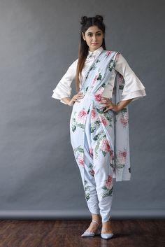 dhoti saree ~ dhoti saree - dhoti saree style - dhoti saree how to wear - dhoti saree anamika khanna - dhoti saree wedding - dhoti saree sonam kapoor - dhoti saree designer - dhoti saree unique Saree Wearing Styles, Saree Styles, Indian Wedding Outfits, Indian Outfits, Indian Designer Outfits, Designer Dresses, Dhoti Saree, Glamouröse Outfits, Indian Bridesmaids
