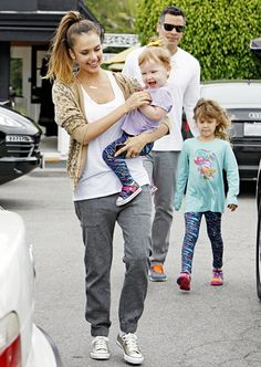Jessica Alba and her family (husband Cash Warren and daughters Honor and Haven) was all smiles while out to lunch!