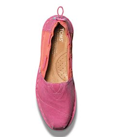 These would be hard to get off my feet.... So comfy and cool looking, plus their pink!