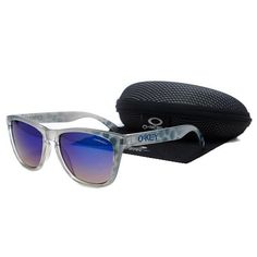 08061512e47e3 Oakley Frogskins Sunglasses blue Frame Dark Blue Lens - already got  em!