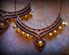 Macrame pendientes / pendientes aro / hecho a mano / tribales joyería / granos del latón