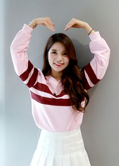 Find images and videos about kpop, mamamoo and solar on We Heart It - the app to get lost in what you love. South Korean Girls, Korean Girl Groups, Mamamoo Kpop, Sun Solar, Solar Mamamoo, Music Pics, She Is Gorgeous, Rainbow Bridge, Kpop Girls