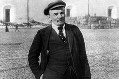 """В этот день, 146 лет назад, родился человек, который кардинально изменил ход истории. Он попытался - спорными, конечно, методами - сказку сделать былью. Последствия нам еще долго будут аукаться. Ленин заложил под СССР """"бомбу"""", которая """"рванула"""" в 1991-м"""