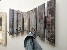Coat Hooks Hallway, Entryway Coat Rack, Coat Hooks On Wall, Wall Mounted Coat Rack, Entryway Hooks, Diy Coat Hooks, Wood Coat Hanger, Rustic Entryway, Entryway Ideas