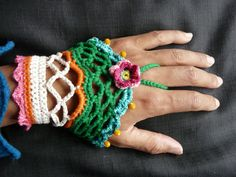 Crochet hand cuff /// crochet bohemian bracelet /// boho hippie emerald green bracelet /// crocheted cuff with  glass beads by FlowCrochet on Etsy
