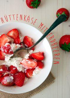 Healthy Snack {Hüttenkäse mit Erdbeeren und Zimt} - kochkarussell.com