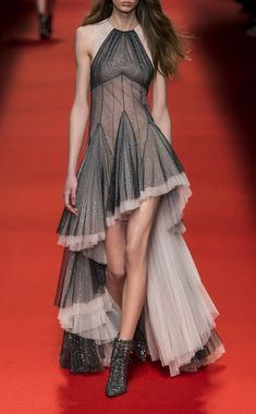 Ruffled High-Low Chiffon Gown by Philosophy di Lorenzo Serafini Couture Fashion, Runway Fashion, Fashion Models, Silky Dress, Dress Up, Fashion 2018, Fashion Dresses, Cocktail Outfit, Fashion Design Sketches