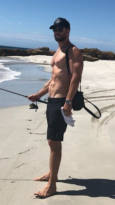 I need to the up fishing. Chris Hemsworth Shirtless, Shirtless Men, Hottest Male Celebrities, Celebs, Liam Hamsworth, Hemsworth Brothers, Z Cam, Australian Actors, Famous Men