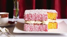 Lamington lovers will lose it over this spectacular cake version. Wine Recipes, Baking Recipes, Lamingtons Recipe, Easy Birthday Cake Recipes, Birthday Ideas, How To Make Icing, Sandwich Cake, Square Cakes, Cake Tins