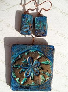 'Ocean Blue Sand Dollar'  Polymer Clay pendant and earrings set by TTE Designs on Art Fire. $22 Polymer Clay Pendant, Polymer Clay Art, Pendant Set, Pendant Necklace, Play Clay, Earring Set, My Etsy Shop, Ocean, Fire