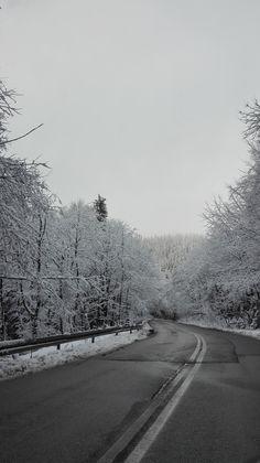 Przełęcz Krowiarki, Polska #Poland #snow #road #winter #mountains