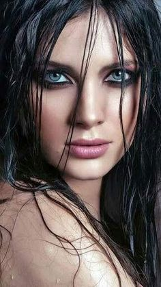 possibly the most beautiful eyes in the world Most Beautiful Eyes, Stunning Eyes, Gorgeous Eyes, Pretty Eyes, Cool Eyes, Beautiful Women, Beautiful Figure, Girl Face, Woman Face
