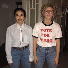 Girl Duo Costumes, Mean Girls Halloween Costumes, Dynamic Duo Costumes, Character Halloween Costumes, Matching Halloween Costumes, Friend Costumes, Best Friend Halloween Costumes, Trendy Halloween, Halloween Ideas