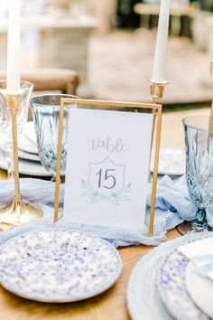 ChinoiserieA Hot Trend InWeddings | ElegantWedding.ca Table Setting Inspiration, Wedding Place Settings, Bridal Boutique, Event Venues, Chinoiserie, Wedding Centerpieces, Floral Design, Place Card Holders, Invitations