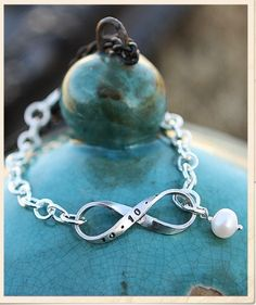 Infinity Bracelet from the Vintage Pearl