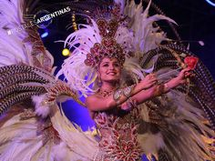 El carnaval del Litoral combina alegría, disfraces y fiestas en la calle. ¡Contanos cómo te gusta celebrarlo y envianos tu foto! #PostalesArgentinas