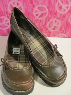 LOWER EAST SIDE    WOMENS BALLET STYLE SHOES    ALL MAN MADE    THICK SOLE    PLAID INSOLE    SMALL BOW ON SIDE    SUPER CUTE    SIZE 10M    WONDERFUL ADDITION    TO YOUR WARDROBE    SELLS FOR 24.99