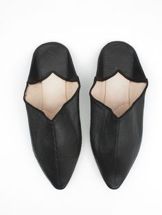 Moroccan Plain Pointed Babouche Slippers, Black