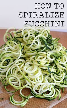 How to Spiralize Zucchini - it's so easy to make delicious zucchini pasta! (gluten free and grain free)