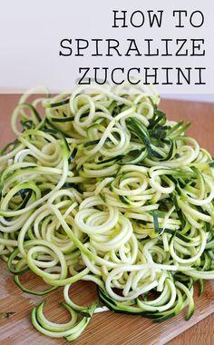 How to Spiralize Zucchini - it's so easy to make delicious zucchini pasta! (gluten free and grain free)