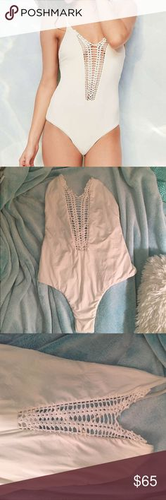 Billabong one piece billabong hippie hooray one piece, worn once not in water, in great condition. purchased from urban super cute Urban Outfitters Swim One Pieces
