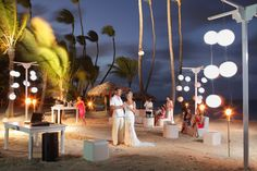 Are you looking for a venue to hold your private wedding party at the beach? The Caribbean and Pacific awaits you! #BeachBash Party designed by renowned wedding planner Karen Bussen. Available in Mexico, Jamaica and Punta Cana