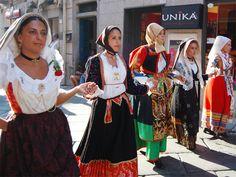 A Nuoro tutta la tradizione sarda sfila per il Redentore - www.girosognando.it/nuoro