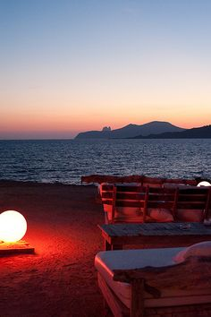 Cap Des Falco, perfect sunset Ibiza wedding venue  El atardecer de Ibiza es increíble.  http://www.bodaenibiza.es