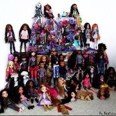 Bratz dolls, I had multiple crates of these things, wish I never gave them away<3
